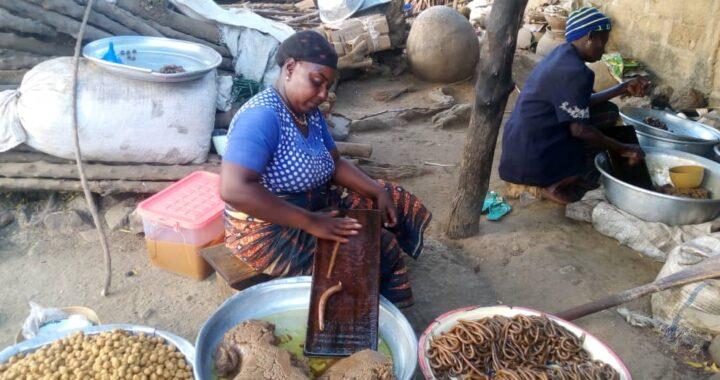 Togo : Kluiklui, cette galette dont plusieurs personnes raffolent